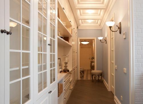 Дизайн большой прихожей в квартире. Дизайн и функциональность проходного пространства