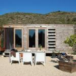 Маленький каркасный дом в Испании.