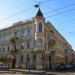 Мы представляем особняк предпринимателя Петра Вейнера, который стоит на углу улицы Чайковского и пр. Чернышевского.