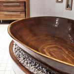 Ванна из дерева - модно, экологично и очень дорого.