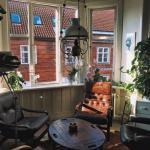 Мы уже по этой уютной квартирке в Копенгагене скучаем.
