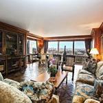 * апартамент Криштиану Роналду за 18 миллионов долларов.