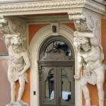 Самые красивые двери Петербурга.