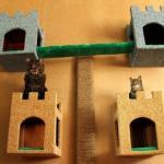 """Домики для кошек """"Башенки"""" с креплением к стене своими руками."""