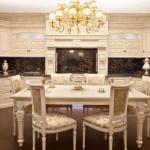 Дизайн интерьера кухни - столовой в классическом стиле.