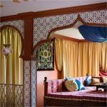 Восточная спальня в синих тонах.