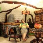 Джереми телфорд, 34-летний художник из штата юта, воссоздал интерьер дома хоббита из воздушных шариков в своей гостиной.