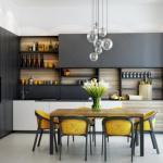 Современная кухня в частном доме.