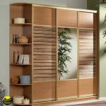 Шкафы купе с бамбуком.