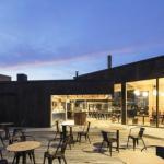 Проект кафе Birgitta в Хельсинки, Финляндия, создала компания Talli Architecture and Design.