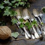 Сад огород.  Оригинальные поделки из столовых приборов: нестандартное использование ложек, вилок и ножей в дачном хозяйстве.
