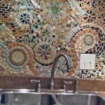 Мозаика на кухонном фартуке.