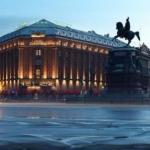 Надо знать: исторические гостиницы Петербурга.