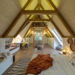 Дизайн мансарды загородного дома для молодой семьи с ребёнком.