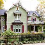 Дом в викторианском стиле.