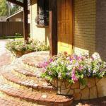 Каким должно быть крыльцо загородного дома?