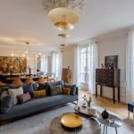 Квартира в Париже с интересными цветовыми сочетаниями и любопытным и деталями в декоре от дизайнеров Agency Veronique Cotrel // 01.